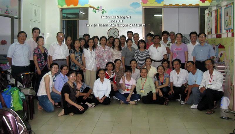 Thiên khí năng VN khóa XIII tu viện Thánh Mẫu Saigon 24.11.2012