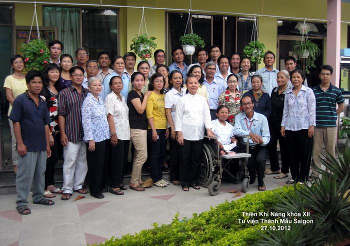 Thiên Khí Năng khóa XI và XII VN – tu viện Thánh Mẫu Saigon 27.10.2012