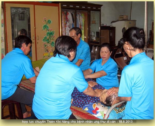 TĐMVSK thăm hỏi và mở 12 chakra quý bệnh nhân phong cùi Đồng-nai 18.8.2013