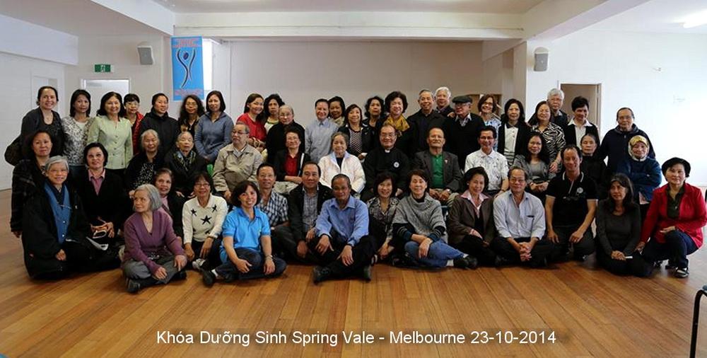 https://tongdomucvusuckhoe.net/wp-content/uploads/2014/10/Kh%C3%B3a-D%C6%B0%E1%BB%A1ng-Sinh-Spring-vale-Melbourne-23-10-2014.jpg